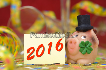 nytar 2016 med heldig gris og
