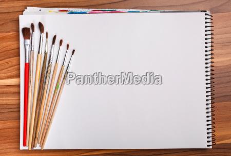maling og skitse bog med borster