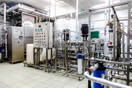 vandkonditionerings eller destillationsrum