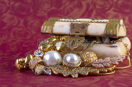guld smykker koncept