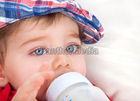 sod lille dreng spise