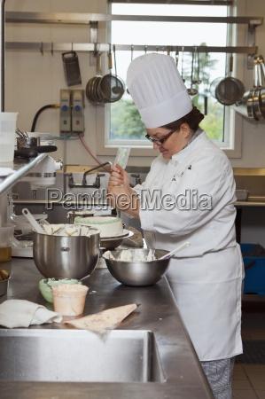 kvinde restaurant brun menneske gastronomi fra