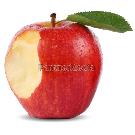 tilbudt rod aeble frugt med bid