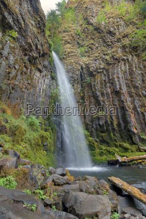 dry creek falls i columbia river