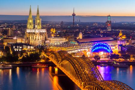 köln-katedralen, tyskland - 14628517