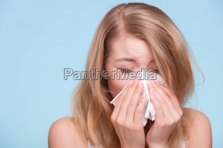 influenza allergi syg pige nysen i