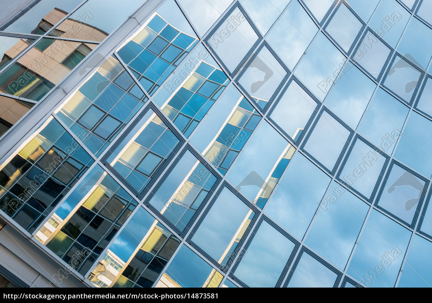 bygning, med, glasfacade - 14873581