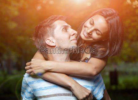 samvaer lykkefolelse romance kaerlighed elske forelsket