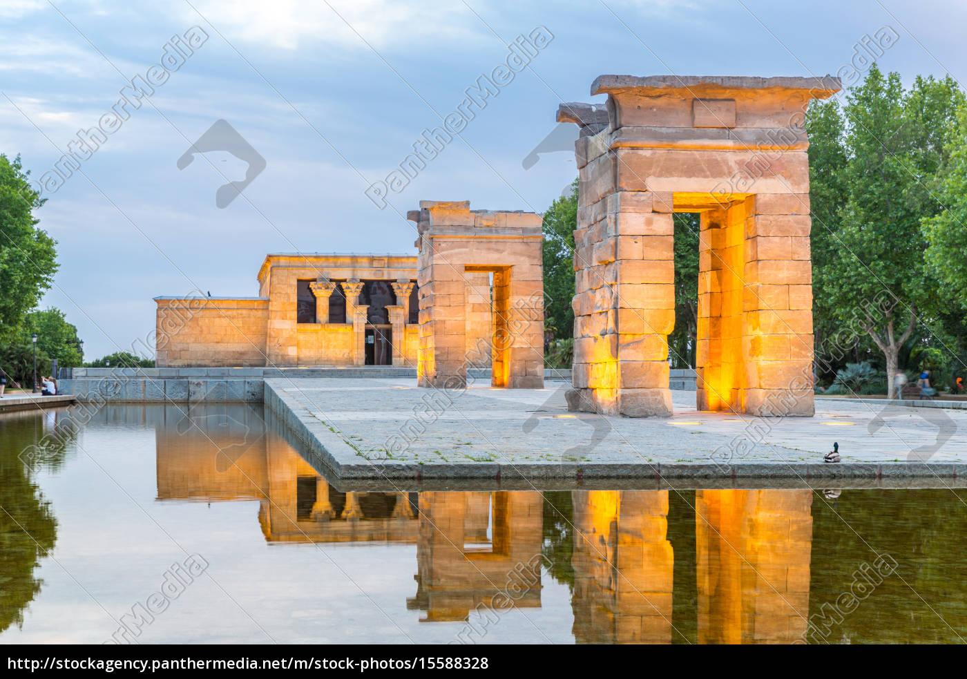 temple, de, debod, madrid - 15588328