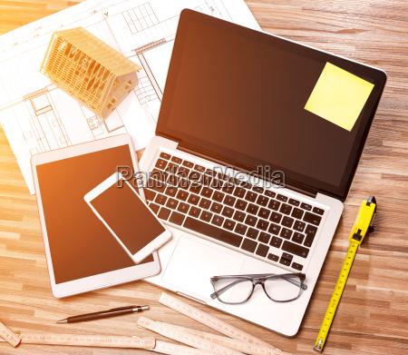 trae arkitekt skrivebord i high definition