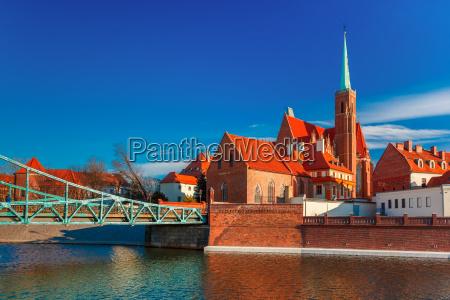 tumski bridge in the morning wroclaw