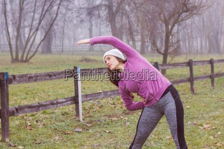 fitness sporty kvinde udendors aktivitet