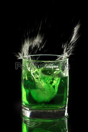 glas baeger drikkeglas gron gront gronne