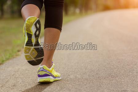 close up sport kvinde korer i