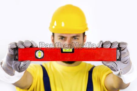 kvalitetskontrol bygningsarbejder med vaterpas