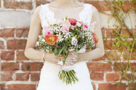 bruden med brudebuket
