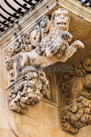 italien sicilien noto palazzo villadorata balkon