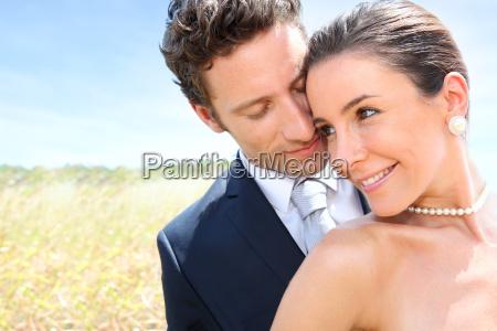 bruden og gommen pa deres bryllupsdag