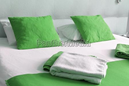 dobbeltseng, på, hotelværelse., overnatning - 17955416