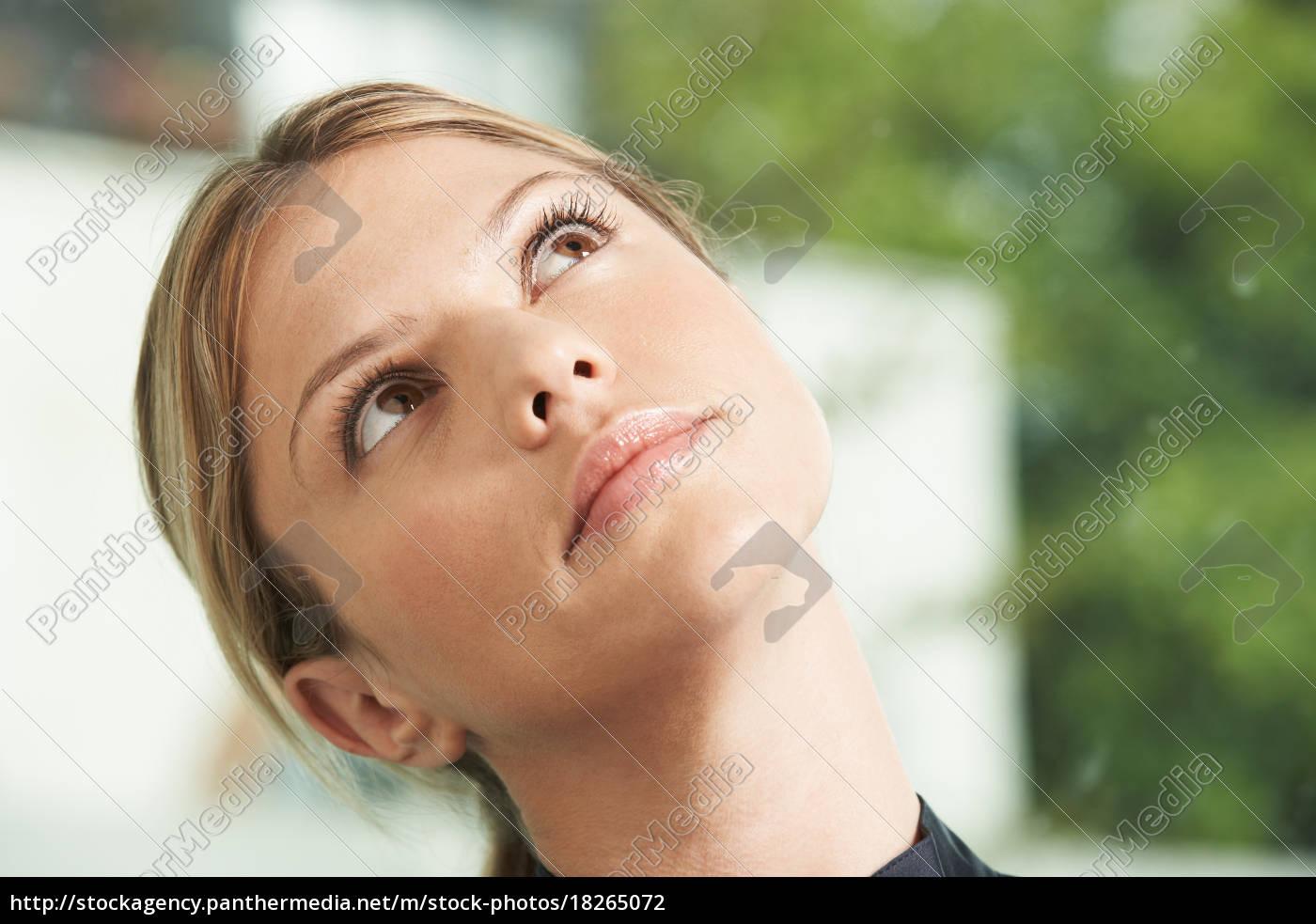 close-up, portrait, of, business, woman. - 18265072