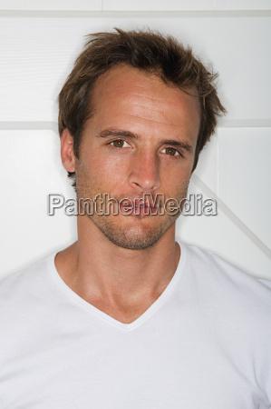 man wearing a white t shirt