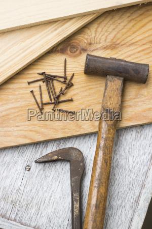 vaerktojer som traeplade tomrer hammer