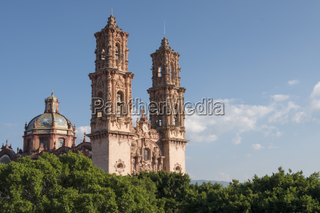the itricate decorations of taxco cathedrals