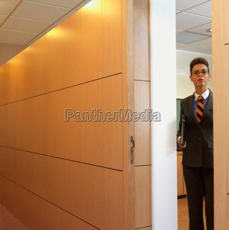 kvinde fare korridor mandlig maskulin viril