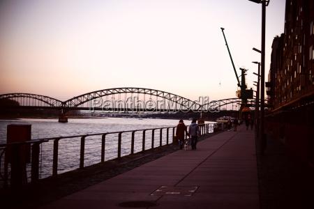 by koln koeln bro rhinen solnedgang