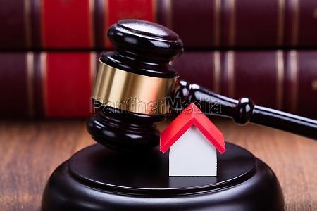 hus bygning lov auktion gods virkelige