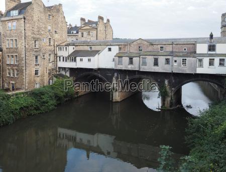 pulteney bridge in bath