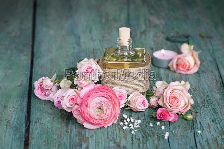 simbolico nozze matrimonio convivenza rose festa