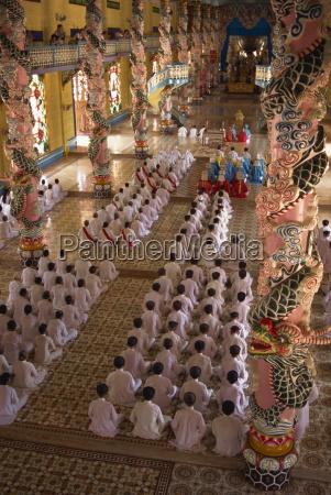 tur rejse religion religios tempel troende