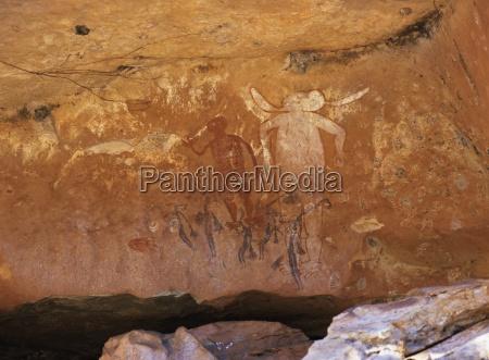 aboriginal malede figurer af varierede perioder