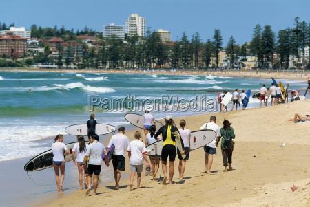 en surf klasse pa manly beach
