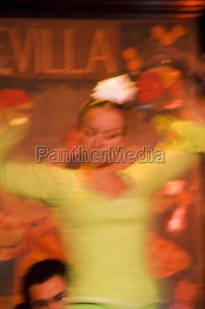 flamenco dancers at el arenal restaurant