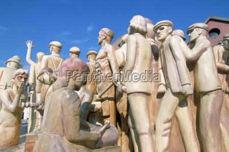 forward statue centenary square birmingham england