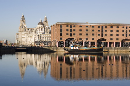 albert docks royal liver building cunard