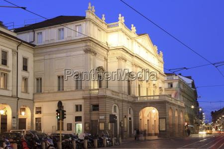 teatro alla scala at dusk milan