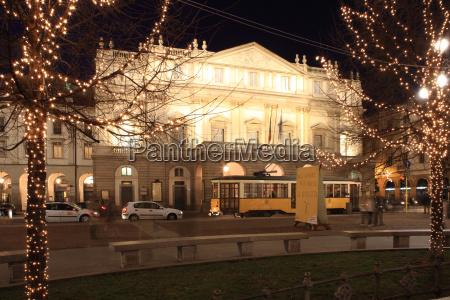 teatro alla scala at christmas milan