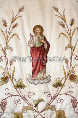 banner skildrer jesus i notre dame