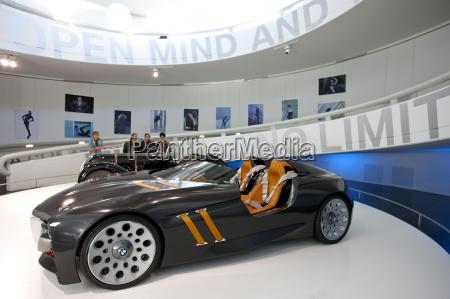 bmw koncept sportsvogn udstillet pa bmw