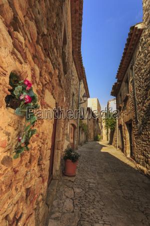 smuk middelalderlig landsby brostens smalle bane