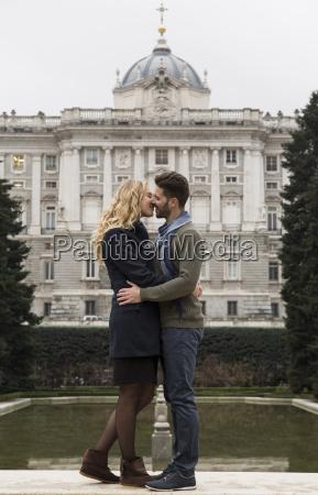 spanien madrid par kysse med det