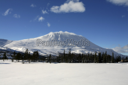 norway telemark mountain gaustatoppen in winter
