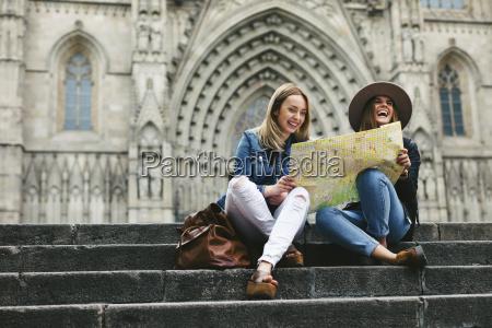 spanien barcelona to glade unge kvinder