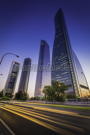 spanien madrid cuatro torres motorvej trafik