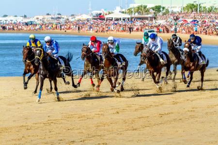 horse race on sanlucar of barrameda