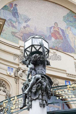 mindesmaerke monument prag skelsaettende