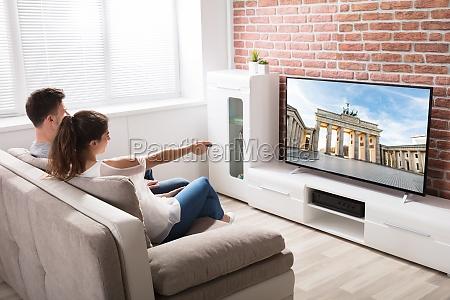par der ser fjernsyn